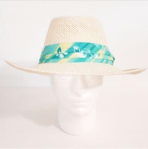 • Chi Chi Vintage Panama Hat •